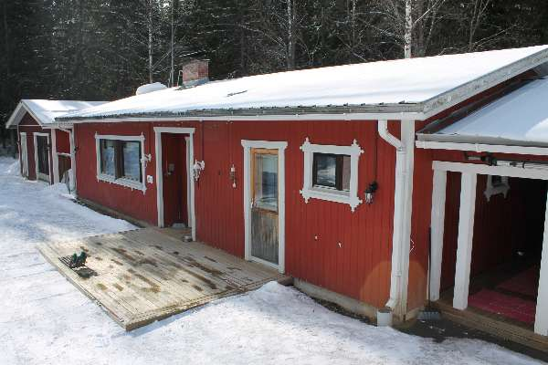 Omakotitalo 3 h + keittiö + sauna